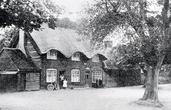 Thatched cottages in Harpenden High Street