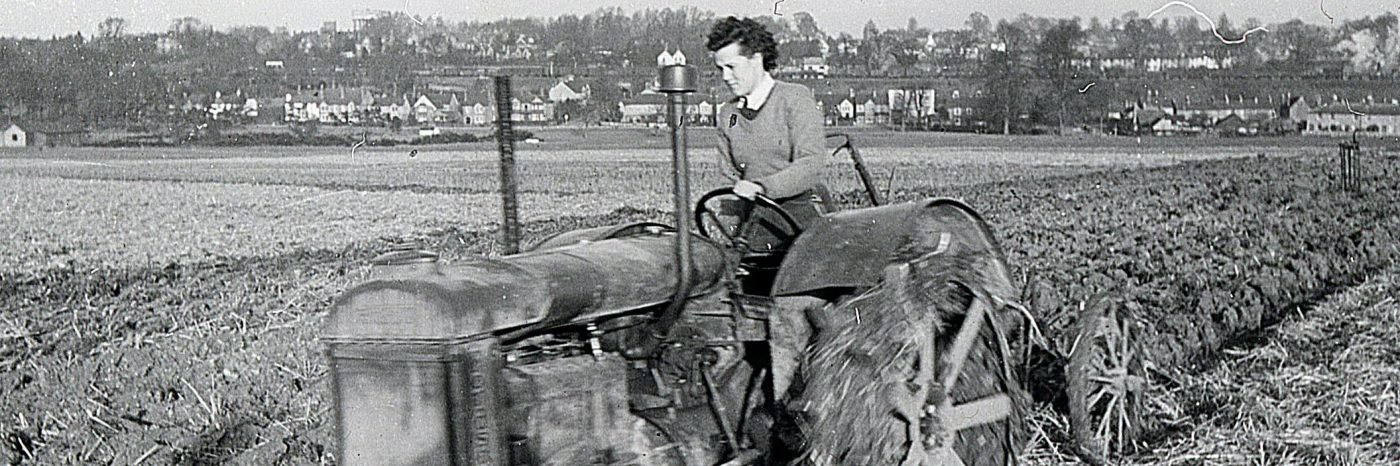Ploughing on Harpenden Common inWWII, January 1944