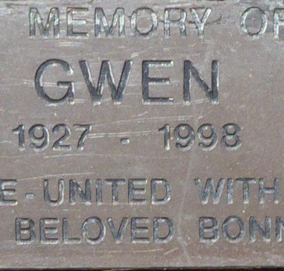 Gwen, Bowling Close.
