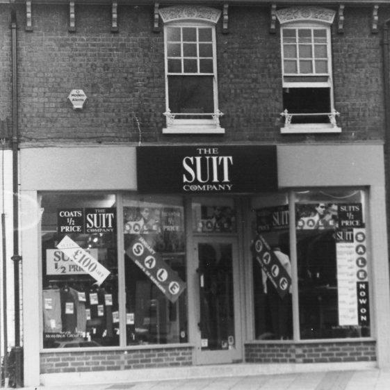 (9) Suit & Co, 1991 LFC, LHS 4198 | LHS archives - Les Casey, LHS 4198
