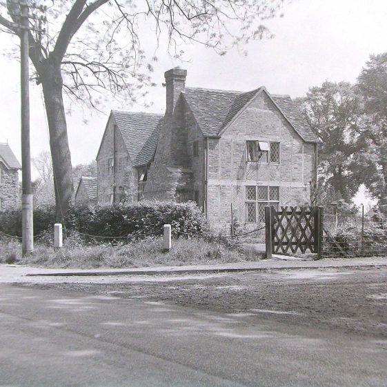 Jim Jarvis's photos of 'Jarvis houses' in the 1930s | Jim Jarvis - scanned from glass negative by J Marlow - JJ 1147