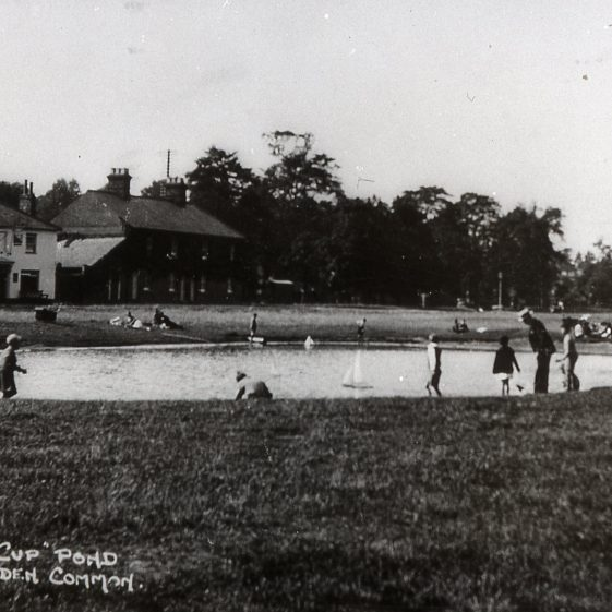 Silver Cup pond and pub -1920's | LHS archive, cat.no. B 1.67