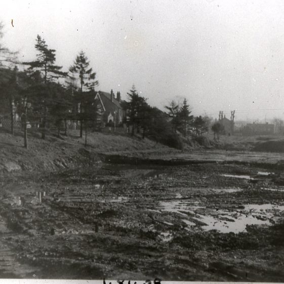 Excavating gravel pits for ponds - Southdown Road houses in background - 1928 | Cat no Slides B 2.19