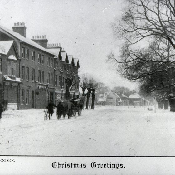 High St looking NW in snow -White Lion - 1900 | Cat no Slides B 2.55