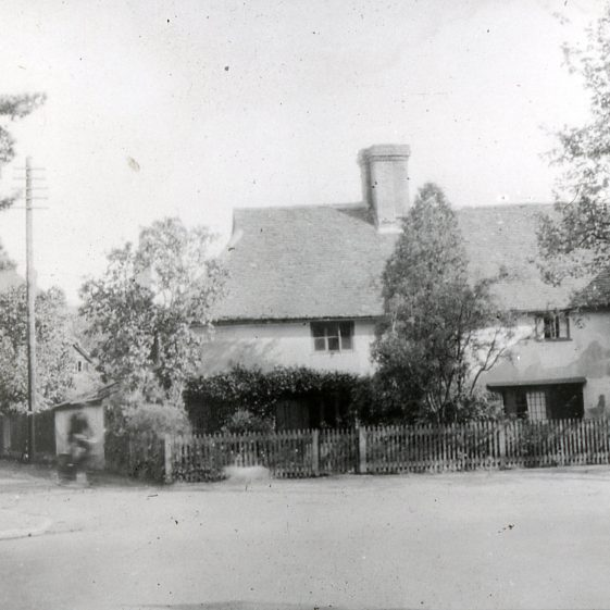 Corner of Sun Lane with cottage before widening - pre 1930   Cat no Slides B 2.72