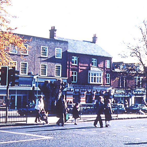 High Street crossing at the Concourse before removal of Elm -1980 | Cat no Slides B 3.24
