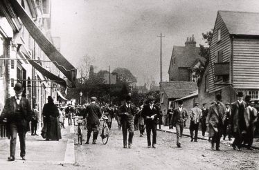 Racegoers arrived by train - walking down Station Road c.1900   LHS archives, cat.no. B 3.63