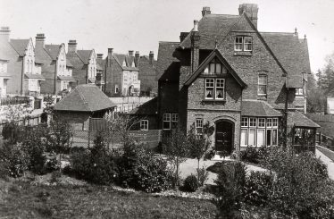 Park View House, on west side (even numbsers) of Milton Road, with row of detached houses on the east   LHS archive, cat.no. B 3.98