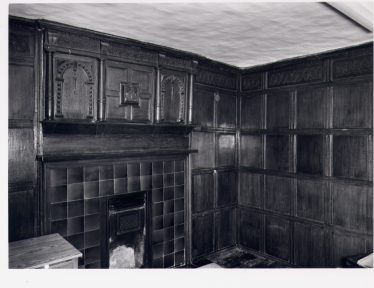 Oak panelled room in the C16 wing of Harpenden Hall | RCHM, 1977; LHS archives