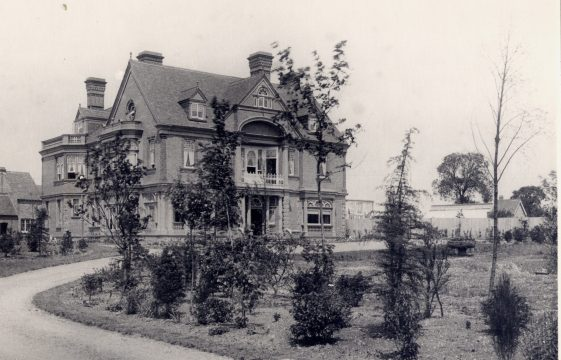 The Red House, Carlton Road/Red House (The), Carlton Road