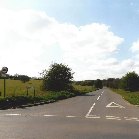 89. Ferrers Lane from S Harpenden to crossroads with B 651- looking NW - Grid ref. 175123 | LHS archives - L Casey, Aug 2014
