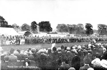 Race Day in Harpenden - c.1900   LHS archives, cat.no. HC 00008