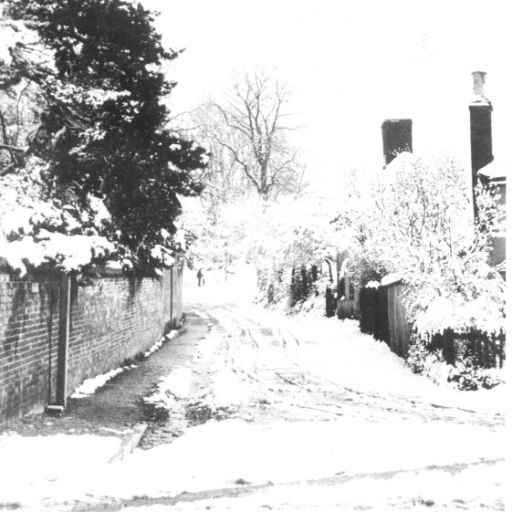 Sun Lane April 1908 - cottages on right later demolished to widen the road   Cat no HC 19