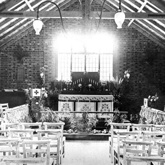 Interior of All Saint's Coldharbour Lane - 1900   Cat no HC 050