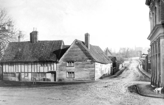 Stakers Lane - Station Road