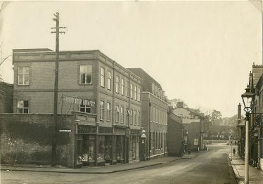 Harpenden Dairies built a new block on their former yard, with an entry alongside the newly built Post Office,  The library was above the Dairy shop. This section of the block was demolished when the Post Office was extended in the 1960s | LHS archives