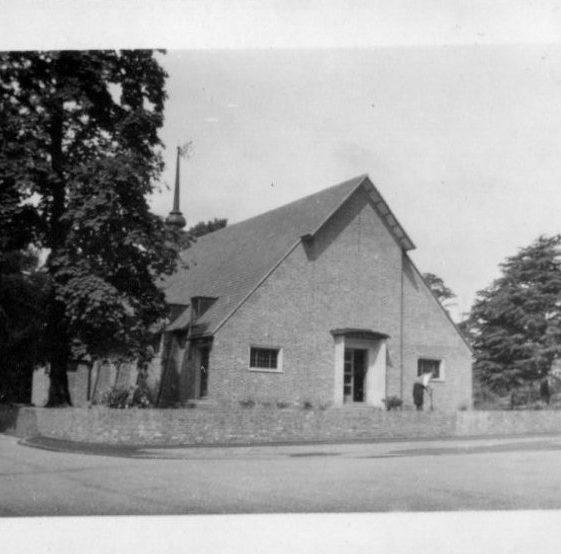 Woking Presbyterian Church, 1952   LHS archives, Herring album BF 52.2 D