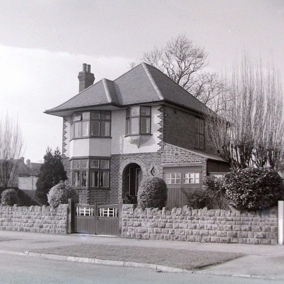 Jim Jarvis's photos of 'Jarvis houses' in the 1930s | Jim Jarvis - scanned from glass negative by J Marlow - JJ 014