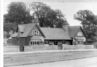 The meeting house after refurbishment in 1972 | LHS archives - LHS 16425 / BF 26.11 (b)