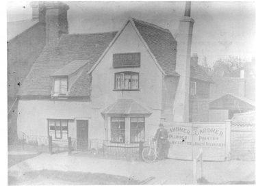 Harpenden's Oldest House?   E Meadows
