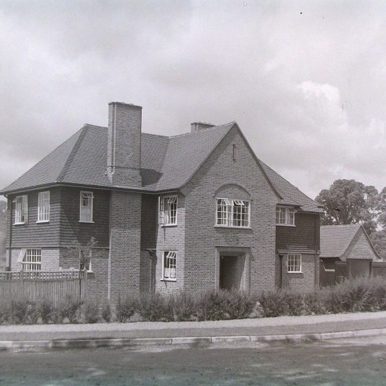 10 Oakfield Road.  Large extensions have been added at each side.   Jim Jarvis - scanned from glass negative by J Marlow