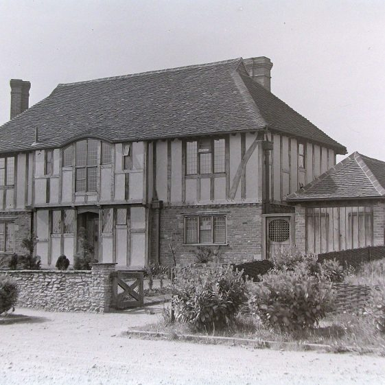 8 Lyndhurst Drive | Jim Jarvis - scanned from glass negative by J Marlow; JG 38