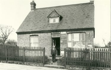 Mr Buck's shop, Station Road   LHS collection, cat.no. 6,729
