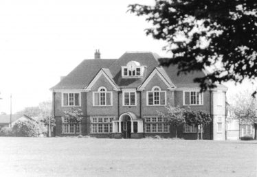 The Adminstrative block at Highfield Oval, Harpenden   LHS archives - LHS 3649