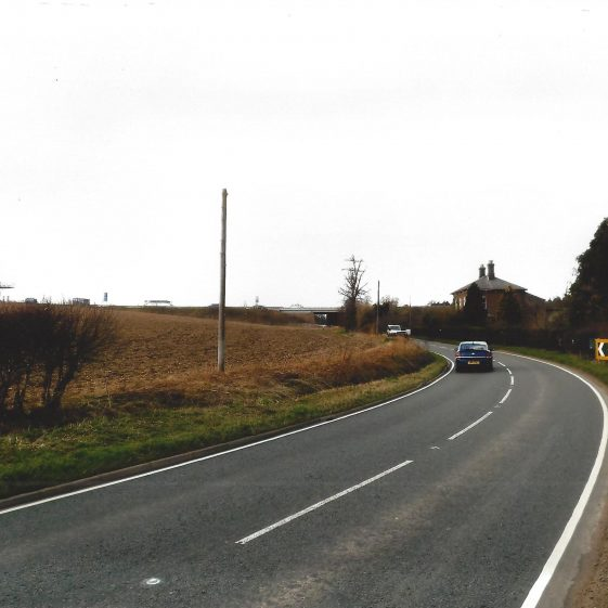 32. Newlands Road, with Newlands Farm, towards underpass of MI, Junction 10 spur | LHS archives, L Casey, Jan 2015