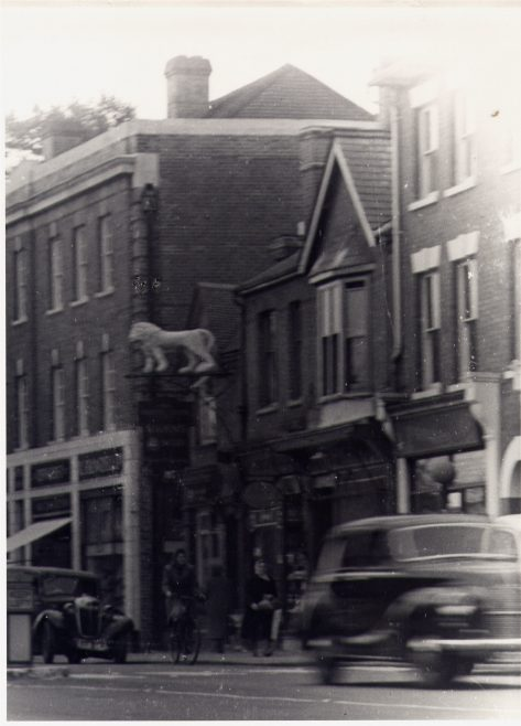 The White Lion, High Street in the 1950s. | Enlargement from a photo by Cecil Hallam (his studio was at the bottom of Thompson's Close)