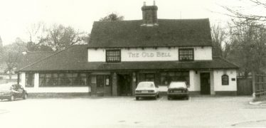 The Old Bell, Luton Road, 1980s - looking much as it did in the 1940s   LHS archives