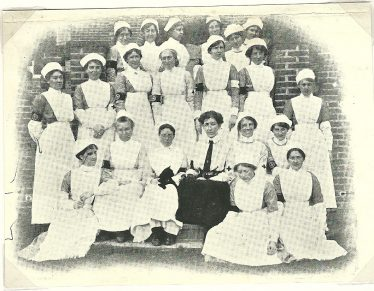 Nursing staff, Rosemary Hospital   Press cutting, 1915, LHS collection