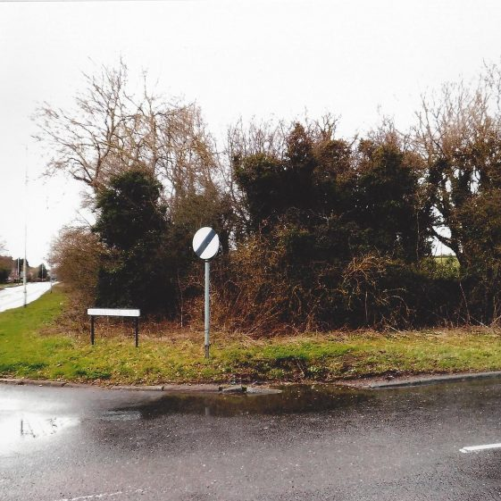 37. Shire Mere or boundary - the junction at Thrales End Lane of two Roman trackways, one from Granary Lane/Ambrose Lane and the other through Caddington to Dunstable, with the track from St Albans (Verulamium) and Luton - the 'Herpedene' | LHS archives - L Casey, Jan 2015