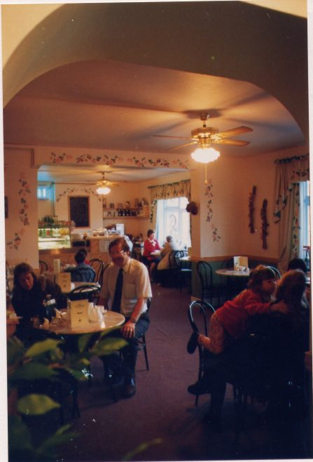 C&A - Coffee shop, with Mr and Mrs Weaver   LHS archives, cat.no LHS 004773
