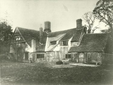 The Bull Inn - now the Old House, Leyton Road | HUDC Collection
